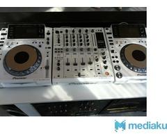 2 x pioneer cdj 2000 nexus + 1 djm mixer 2000 nexus  Watsap: +917710850815
