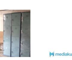 loker besi 4 pintu
